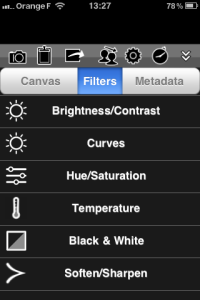 Le copieux menu des filtres, au centre de l'appli